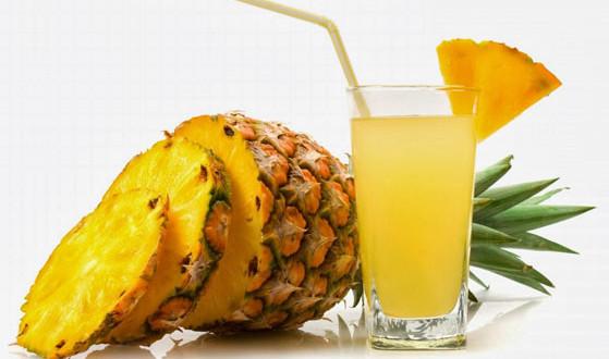 Dieta cu ananas a ajutat-o pe Andreea Raicu sa slabeasca