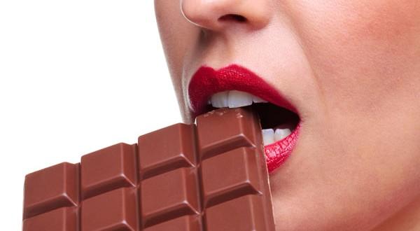 Dieta cu ciocolata reduce tensiunea arteriala