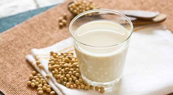 Laptele de soia – este bine să îl consumăm?